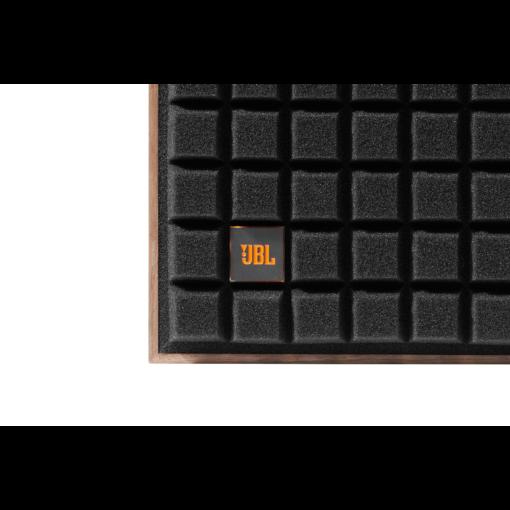 JBL L82 Classic høyttaler med sort grill detalj