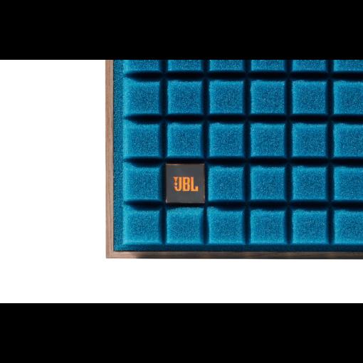 JBL_L82_Front_Blue_Detail