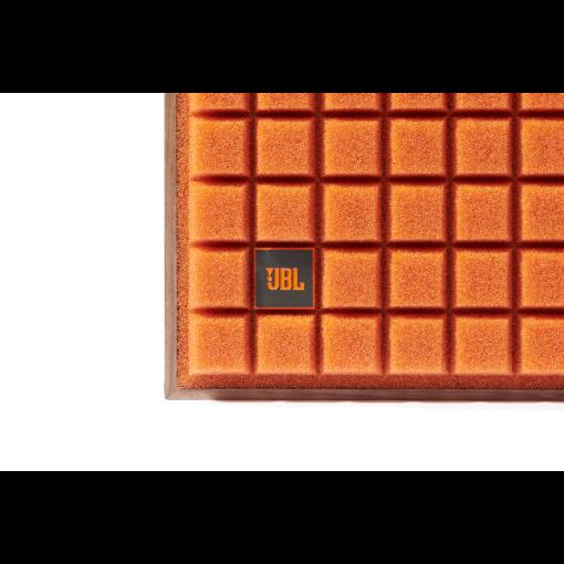 JBL L82 Classic høyttaler med oransje grill detalj